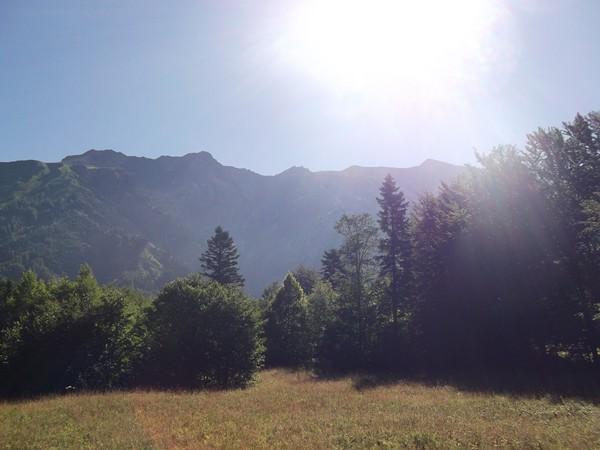 Contreforts du Massif des Ecrins avec la Tête des Filons 2396 m), les Pales (2435 m) et le Petit Renaud (2466 m).