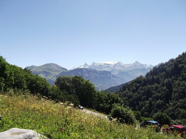 Sublime panorama sur le Massif des Ecrins. Au centre, le Glacier du Mont-de-Lans.