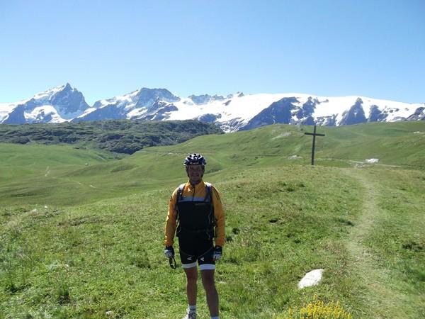 Arrière-plan somptueux avec la Meije, le Rateau et le Glacier de Mont-de-Lans.