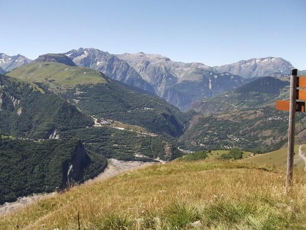 Juste au centre, les Gorges de l'Infernet.