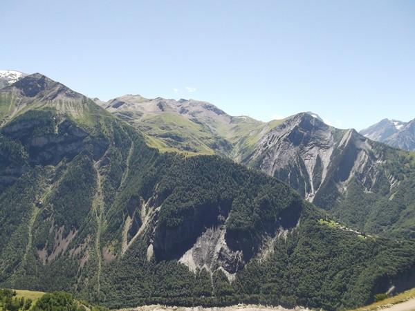 Domaine skiable des 2 Alpes, on peut voir la montée vers le Col du Jandri.