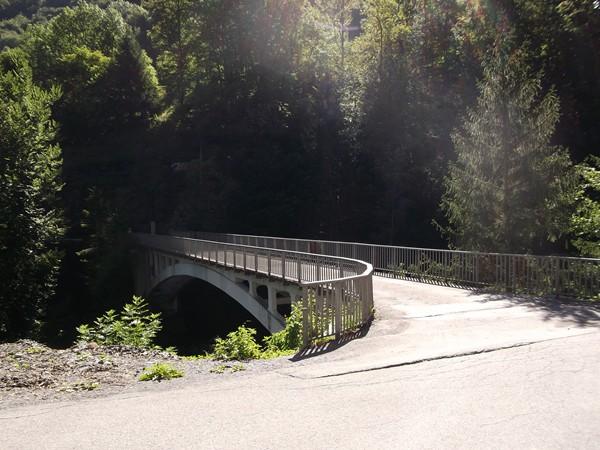Le Pont du Torrent de la Lignarre qui est le véritable pied du Col du Solude.