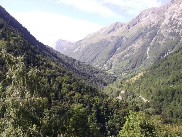 Massif du Taillefer et accès vers le Col d'Ornon.