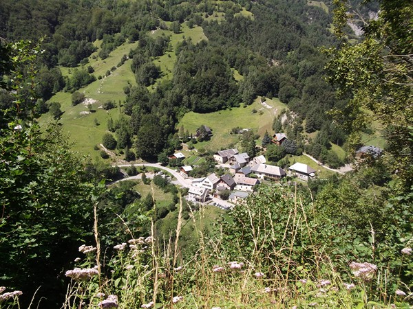La Palud au fond la Vallée de la Lignarre.