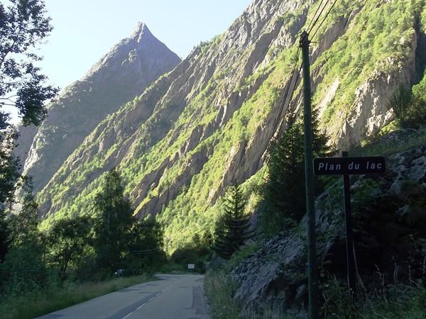Ca se calme, belle vue sur l'Aiguille de Lanchâta (2489 m).