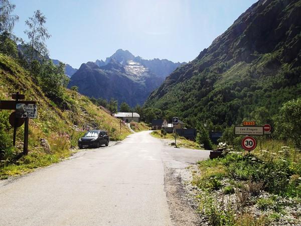 Les Etages, encore un tout petit hameau avant la Bérarde.
