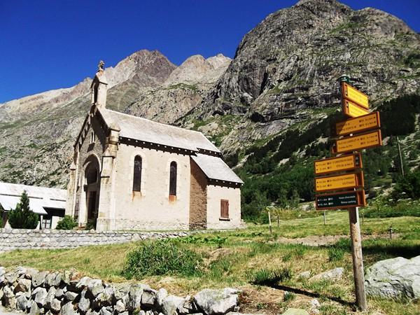 La chapelle de la Bérarde dédiée aux alpinistes.