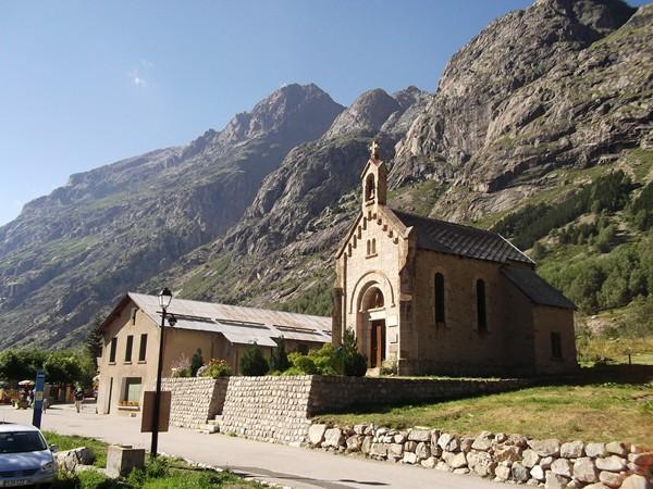 La Chapelle rend hommage aux alpinistes décédés... ce sont souvent des secouristes...