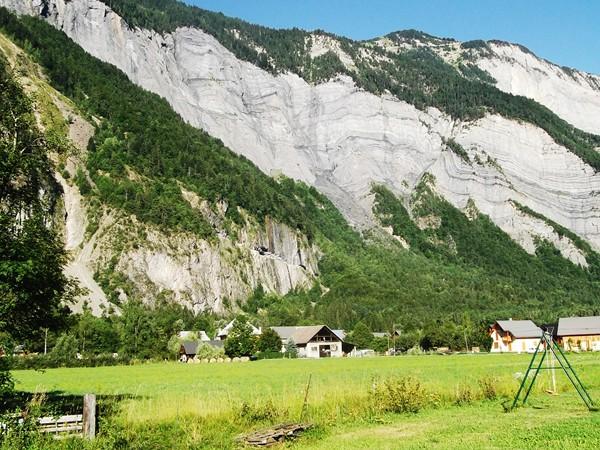 La Roche du Pontet, juste au-dessus, le Prégentil.