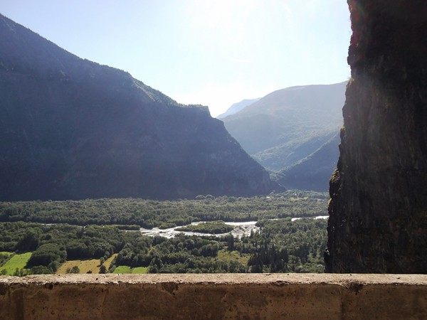 Le Vénéon. L'entrée des Gorges de l'Infernet qui mène au Lac de Chambon.