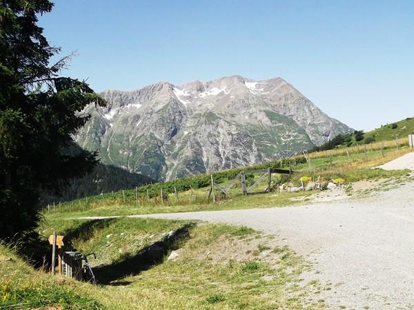 Les derniers mètres de l'autre versant via Villard-Reymond.