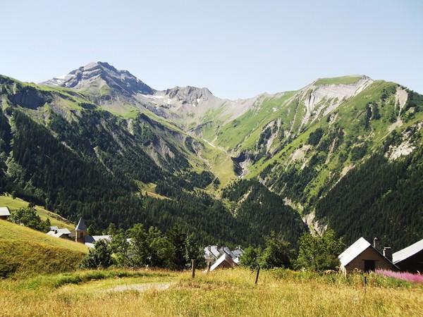 Les toits de Villard-Reymond.