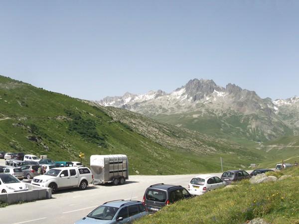 Panorama à l'Ouest du Col de la Croix de Fer.