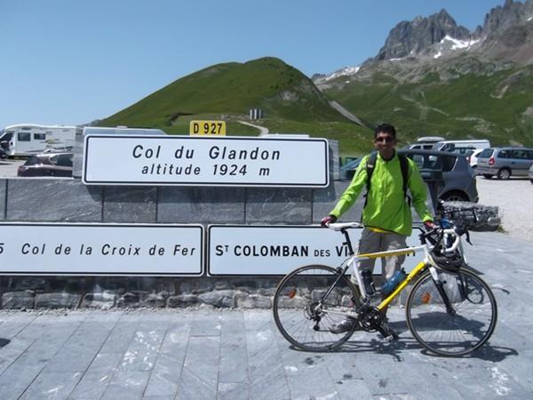 Au Col du Glandon. Un col presque gratuit pour Idris. Il y retournera 15 jours plus tard.