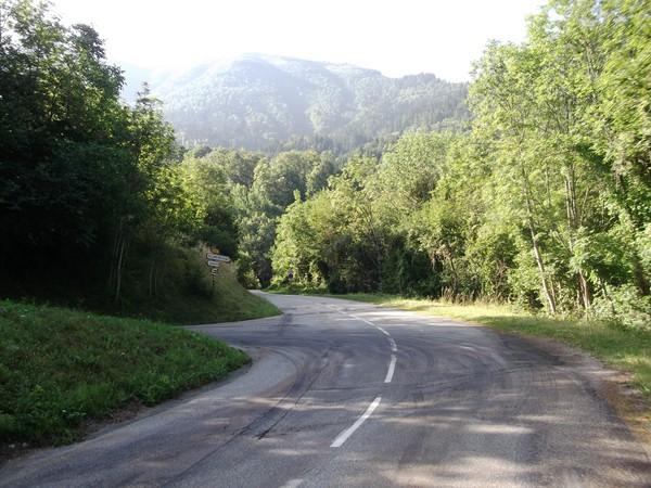 Dans la montée vers Villard-Reculas au niveau de Sardonne.