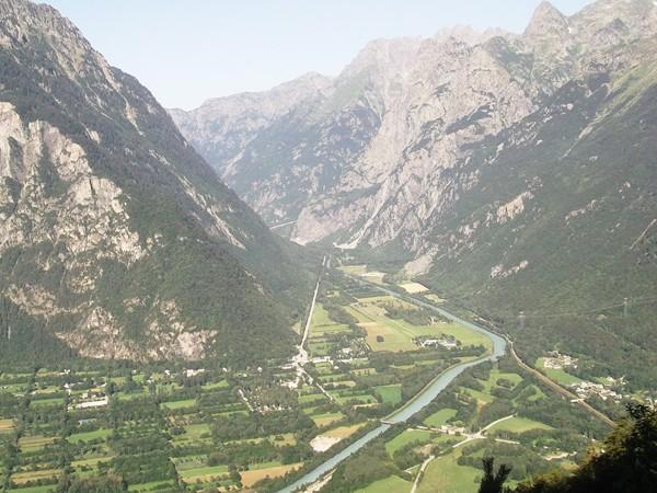La Vallée de la Romanche en direction de Grenoble.