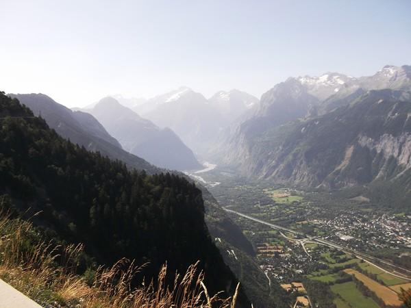 Le Massif des Ecrins avec au centre la Vallée du Vénéon.