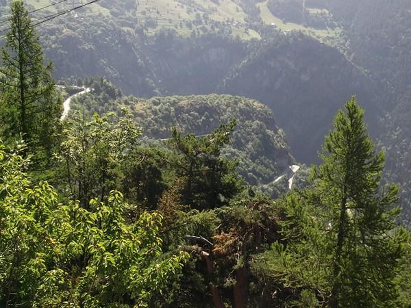 Les lacets de la montée traditionnelle de l'Alpe d'Huez.