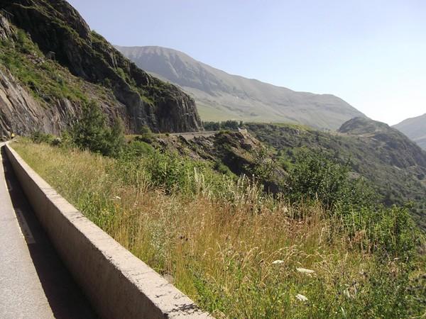 Sur la route de l'Eclose.