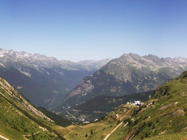 Panorama dans la montée au Lac Besson.