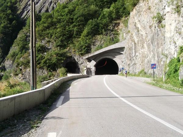Le premier tunnel...