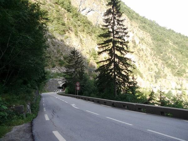 A la sortie du tunnel des Commères.