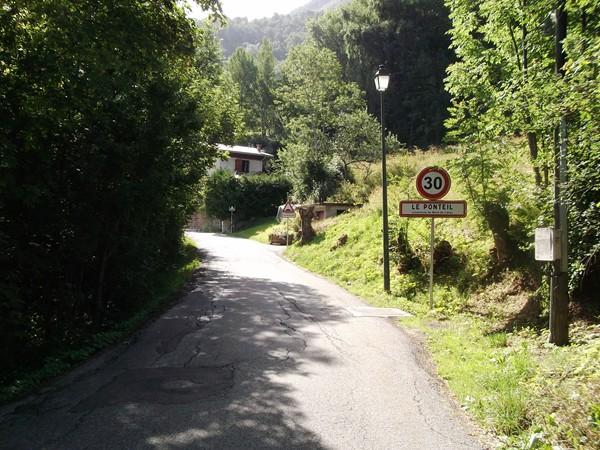 Le Ponteil, petit hameau intermédiaire avant Bons.