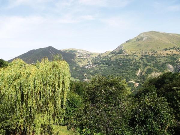 Vue sur Auris-en-Oisans depuis Bons. J'y serais un peu plus tard.