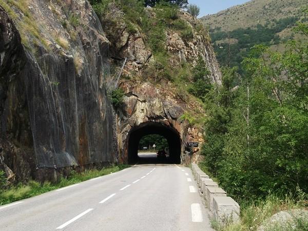 En redescendant vers le Freney-d'Oisans, le Tunnel Clos du Freyney - 44 m.