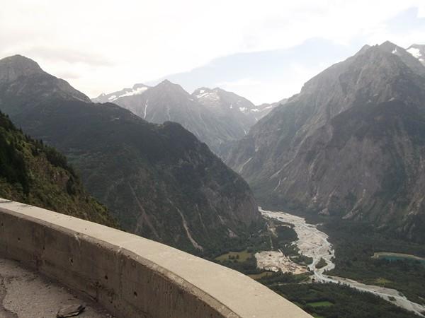L'entrée de la Vallée du Vénéon dans le Massif des Ecrins.