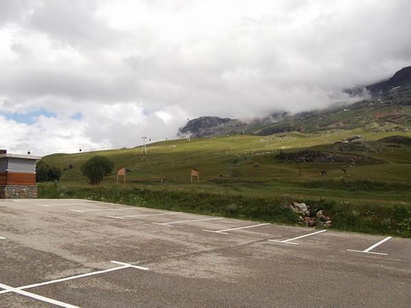 Bouleverd du Rif Nel, un coup d'oeil sur le domaine skiable de la station.