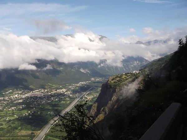 La Vallée de la Romanche avec Bourg-d'Oisans.