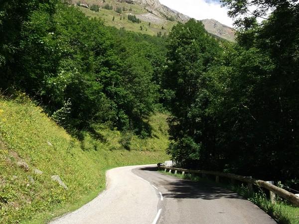 Dans la montée vers Clavans le Haut.