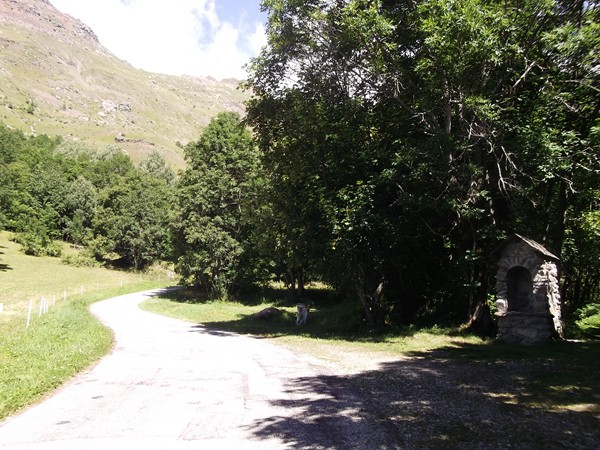 L'oratoire qui ouvre la Route Pastorale du Col de Sarenne.