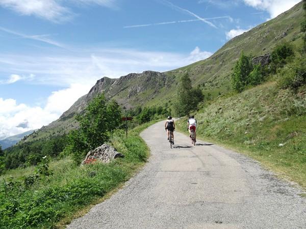 Début du final vers le Col de Sarenne.