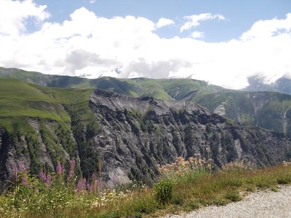 Au-dessus, le Plateau d'Emparis, mystérieux et magnifique, j'irais faire un tour quelques jours plus tard !