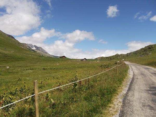 Petit coup d'oeil en arrière vers le Col de Sarenne.