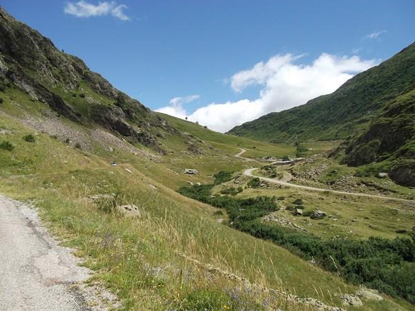 Encore un coup d'oeil en arrière vers le Col de Sarenne.