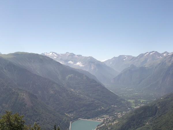 Le Lac du Verney, la Vallée de la Romanche, le Massif des Ecrins.