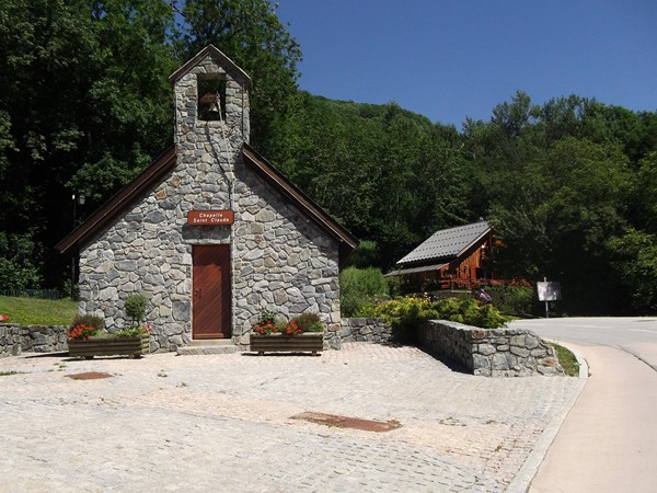 Une très jolie chapelle dans la montée vers Vaujany.