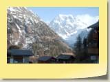 Au fond du Val d'Arolla (accessible uniquement pour les randonneurs à pied), le Mont Collon (alt. 3637 m).