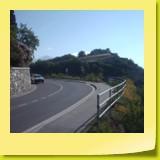 Sur une route en belvédère juste avant Veyras.