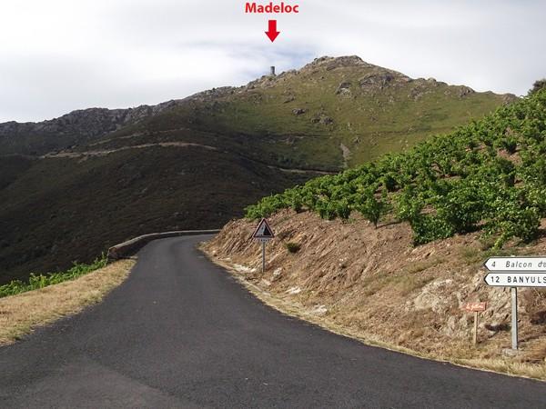 La Tour Madeloc. Là-haut, il doit y avoir des rafales de vent à près de 100 km/h ! 700 ans qu'elle tient debout !