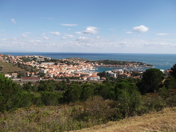 Je me rapproche de Port-Vendres.