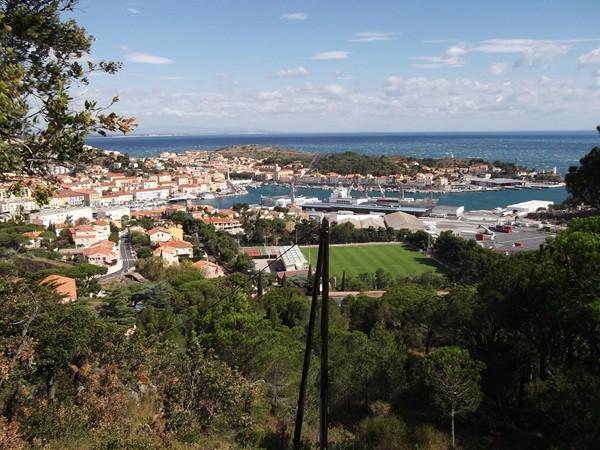 Vue sur le port de Port-Vendres.