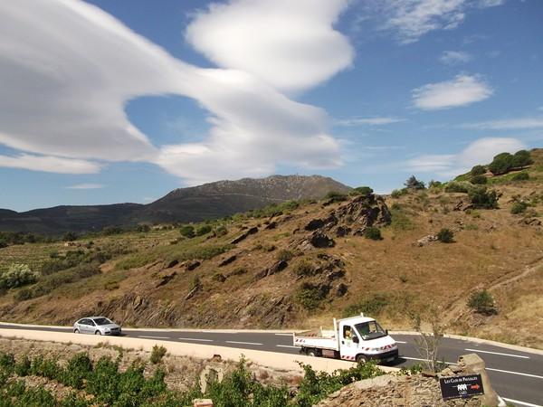 Col de las Portas - vue sur l'Ouest avec la Tour Madeloc tout là-haut.
