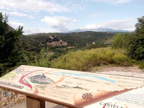 Panorama sur Castelnou et le Pic du Canigou.